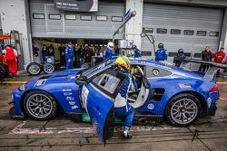 Pit stop for #14 Emil Frey Racing G3 Jaguar: Jonathan Hirschi, Gabriele Gardel, Fredy Barth, Emil Frey