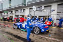 Pit stop for #14 Emil Frey Racing G3 Jaguar: Jonathan Hirschi, Gabriele Gardel, Fredy Barth, Emil Fr
