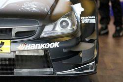 梅赛德斯HWA车队驾驶梅赛德斯AMG C-Coupe的克里斯蒂安·维多利尔斯