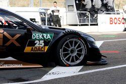梅赛德斯AMG DTM HWA车队DTM梅赛德斯AMG C-coupe,车手帕斯卡·维尔林的轮轴螺母松脱