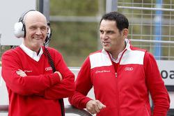 奥迪运动部负责人沃夫冈·乌尔里希与奥迪Abt车队老板汉斯-于尔根·阿伯特