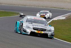 梅赛德斯AMG Mucke车队驾驶梅塞德斯AMG C-Coupe的丹尼尔·朱尼卡德拉