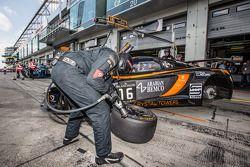 #16 Boutsen Ginion McLaren MP4-12C: Alex Demirdjian, Chris van der Drift, Shahan Sarkissian