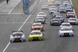 Largada: Marco Wittmann, BMW Team RMG BMW M4 DTM e Mike Rockenfeller, Audi Sport Team Phoenix Audi R