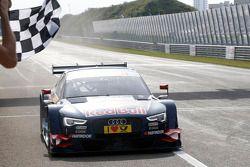 奥迪Abt车队奥迪A5 DTM车手马蒂亚斯·埃克斯特罗姆获胜