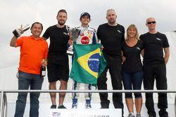 Pietro Fittipaldi festeggia la sua vittoria a Silverstone