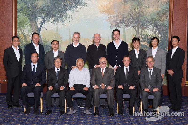 Foto di gruppoo della terza riunione del DTM - comitato direttivo Super GT