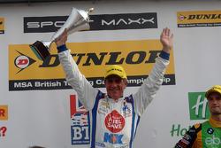 Ronde 25 racewinnaar Jason Plato, MG KX Clubcard Fuelsave