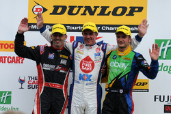 Ronde 26 Podium 1e Jason Plato, 2e Colin Turkington, 3e Alain Menu