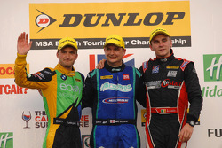 Ronde 27 Podium 1e Mat Jackson, 2e Aron Smith, 3e Colin Turkington