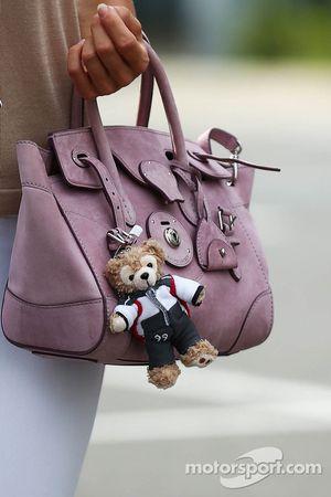 Jennifer Becks的手袋,阿德里安·苏蒂尔的女友,索伯车队