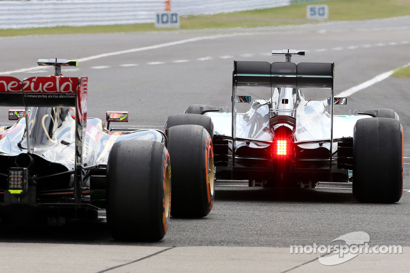 Lewis Hamilton, Mercedes AMG F1 Team y Pastor Maldonado, Lotus F1 Team