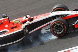 Jules Bianchi, Marussia F1 Team MR03 locks up under braking