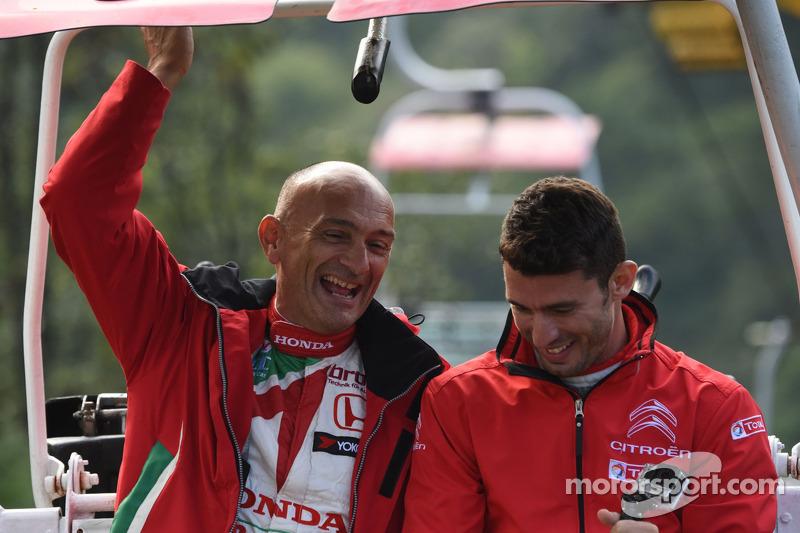 Gabriele Tarquini, Honda Civic WTCC, Castrol Honda WTCC Takımı, Jose Maria Lopez, Citroen C-Elysee WTCC, Citroen Total WTCC