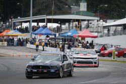 #15 Multimatic Motorsports 福特野马 302R: 杰德·比福德, 斯科特·马克斯威尔