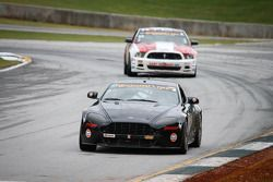 #8 Mantella Autosport 阿斯顿马丁 Vantage: 安东尼·曼特拉, 萨沙·阿尼斯