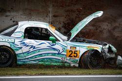 Accident : #25 Freedom Autosport Maxda MX-5: Mat Pombo, Mark Pombo