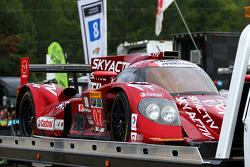 由乔尔·米勒,特里斯坦·努涅斯,特里斯坦·沃特尔驾驶的SpeedSource车队07号马自达原型车受到了损坏