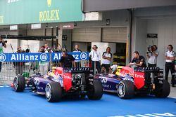 Daniel Ricciardo, Red Bull Racing RB10 and Sebastian Vettel, Red Bull Racing