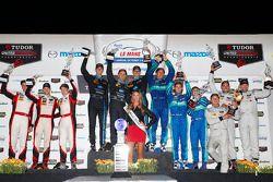 Class podium: P winners Ricky Taylor, Jordan Taylor, Max Angelelli, P2 winners Mirco Schultis, Renge