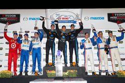 Classe P podio: vincitori Ricky Taylor, Jordan Taylor, Max Angelelli, il secondo posto Joao Barbosa, Christian Fittipaldi, Sébastien Bourdais, terzo posto Scott Pruett, Memo Rojas, Scott Dixon