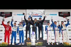 Classe P podio: vincitori Ricky Taylor, Jordan Taylor, Max Angelelli, il secondo posto Joao Barbosa,