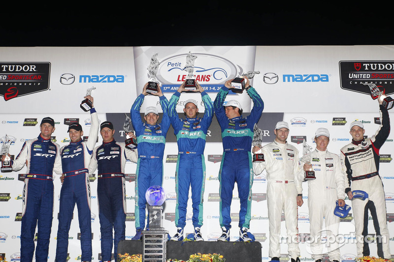 GTLM podio: vincitori Lupo Henzler, Sellers Bryan, Marco Holzer, il secondo posto Patrick Long, Michael Christensen, Earl Bamber, terzo posto Ryan Hunter-Reay, Kuno Wittmer, Marc Goossens