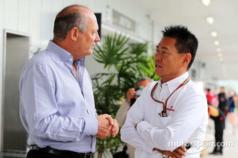 (L to R): Ron Dennis, McLaren Executive Chairman with Yasuhisa Arai, Honda Motorsport Chief Officer