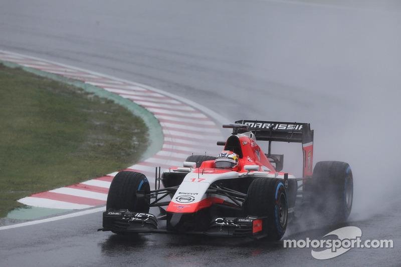 Bianchi kämpft mit seinem Marussia gegen Caterham, Sauber und Co.
