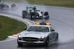 Nico Rosberg, Mercedes AMG F1 W05; hinter dem Safety-Car