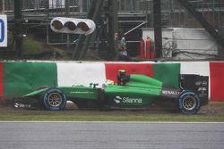 Marcus Ericsson, Caterham CT05 spins off