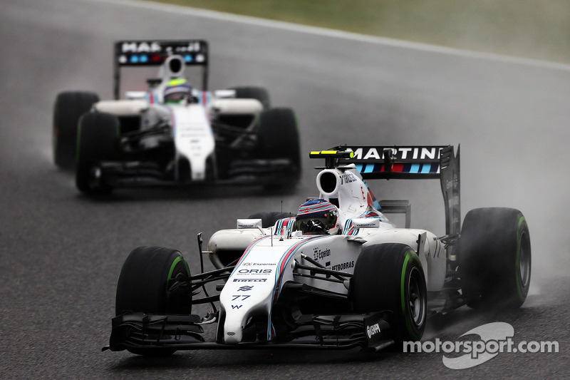 Valtteri Bottas, Williams FW36 davanti al compagno di squadra Felipe Massa, Williams FW36