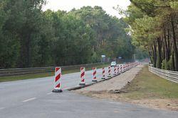 Werkzaamheden om de baan van de Mulsanne-bocht naar de Porsche-bochten te verbreden