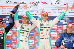 I vincitori della gara Kazuki Nakajima e James Rossiter