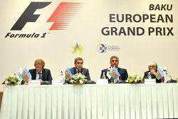 Hermann Tilke, progettista di circuiti, Anar Alekperov, presidente dell'Azerbaigian Automobile Federation, Azad Rahimov, Ministro della Gioventù e dello Sport dellAzerbaijan, Bernie Ecclestone, CEO Formula Uno