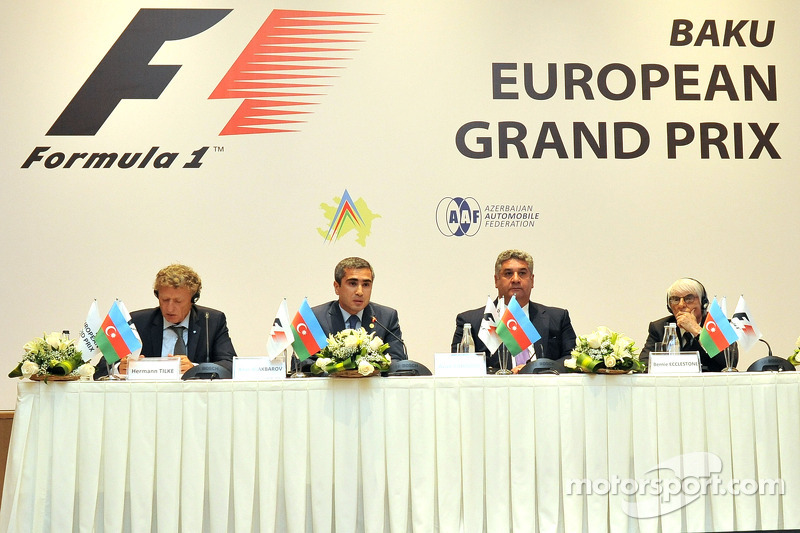 Hermann Tilke, pist tasarımcısı, Anar Alekperov, Azerbaycan Otomobil Federasyonu Başkanı, Azad Rahimov, Azerbaycan Gençlik ve Spor Bakanı, Bernie Ecclestone, Formula Bir CEO'su