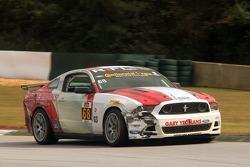 #68 Racers Edge Motorsports Ford Mustang 302R: Ricardo Flores, Corey Lewis