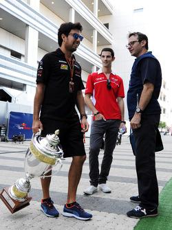 (Da sinistra a destra): Sergio Perez, Sahara Force India F1 con Alexander Rossi, Marussia F1 Team terzo pilota