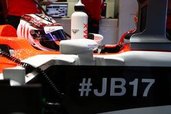 Max Chilton avec le message #JB17 et #ForzaJules pour soutenir Jules Bianchi
