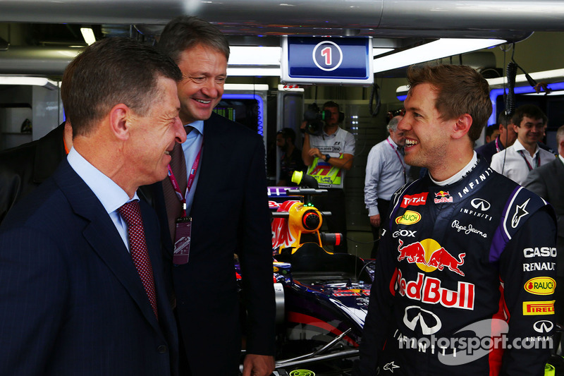 Dmitry Kozak, Russian Deputy Prime Minister, with Sebastian Vettel, Red Bull Racing (Right)