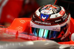 Max Chilton, Marussia F1 Team MR03 carries a message of support for Jules Bianchi