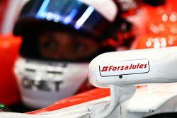 Max Chilton, Marussia F1 Team MR03 con un mensaje para Jules Bianchi