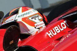 Kimi Raikkonen, Ferrari F14-T lleva un mensaje de apoyo a Jules Bianchi
