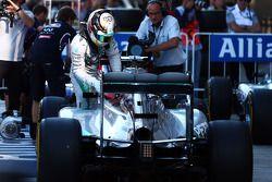 Lewis Hamilton, Mercedes AMG F1 W05 in parc ferme