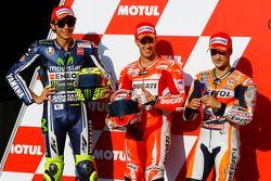 杆位获得者 安德雷·多维兹奥佐, 杜卡迪车队, 第二名 瓦伦迪诺·罗西, 雅马哈厂队, 第三名 达尼·佩德罗萨, Repsol本田车队