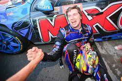 Ganador de la Carrera Chaz Mostert celebra