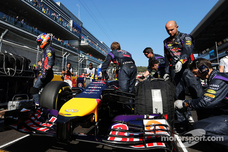 Daniel Ricciardo, Red Bull Racing RB10 on the grid