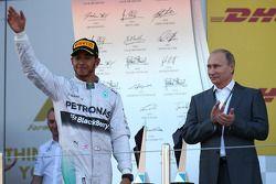 Lewis Hamilton, Mercedes AMG F1 con Vladimir Putin, Presidente Russo
