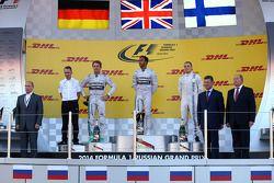 Vladimir Putin, Presidente Russo con Nico Rosberg, Mercedes AMG F1 W05, Lewis Hamilton, Mercedes AMG