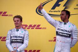 Nico Rosberg, Mercedes AMG F1 W05 e Lewis Hamilton, Mercedes AMG F1